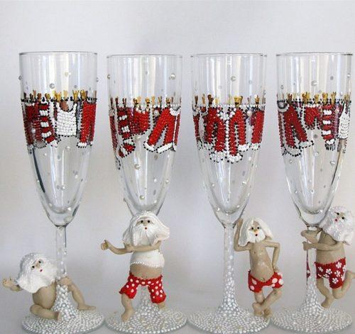 Как украсит бокалы на новый год