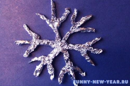 Аппликация «Снежинка из фольги»