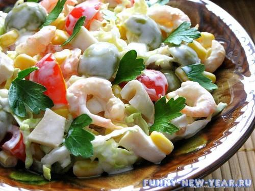 салат легкий с кальмаром