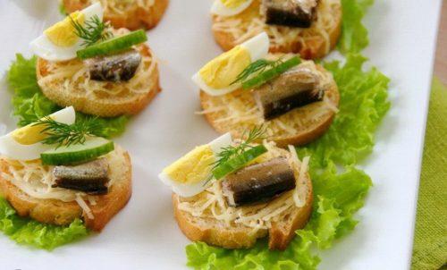 Бутерброды со шпротами и яично-сырковой массой