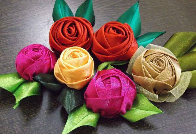ribbons roses