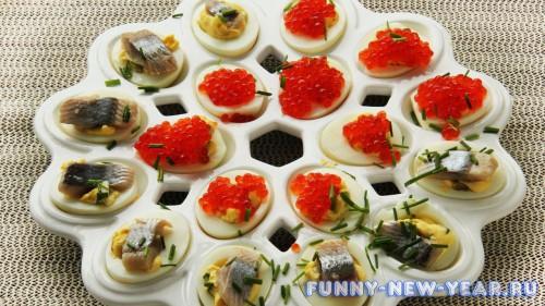 Фаршированные яйца с селёдкой