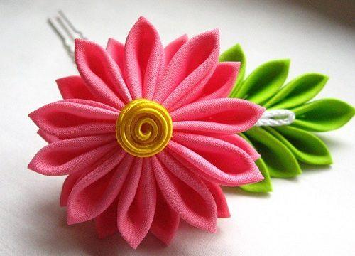 цветок из ленточки