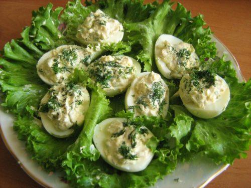 яйца с ветчиной и зеленью
