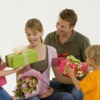 Лучшие подарки родителям на Новый год