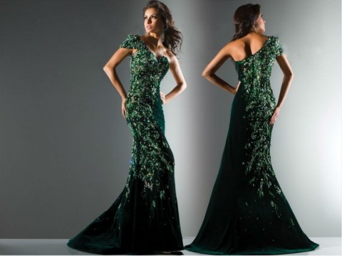 красивая девушка в зеленом платье