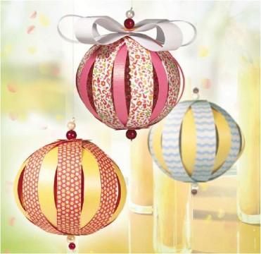 игрушка на елку - шарик из бумаги фото