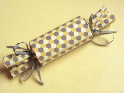 Новогодний подарок в виде конфеты