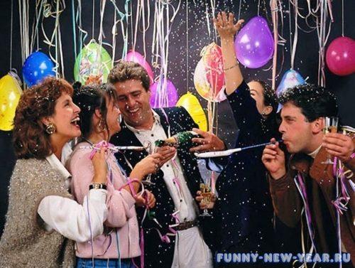 Увлекательные и смешные сценарии на Новый год 2020 для взрослых