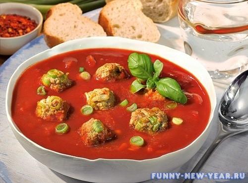 Красный суп с фаршем