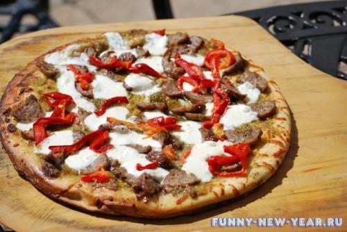 пицца с охотничьи колбаски
