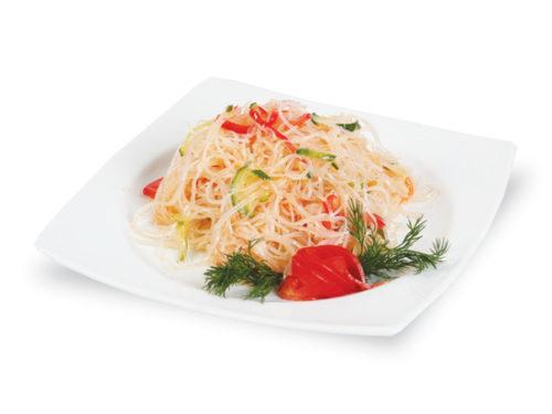 Салат с фунчозой и куриной грудкой