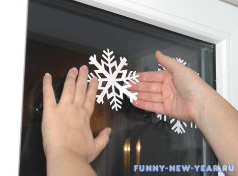 снежинки на окна из бумаги