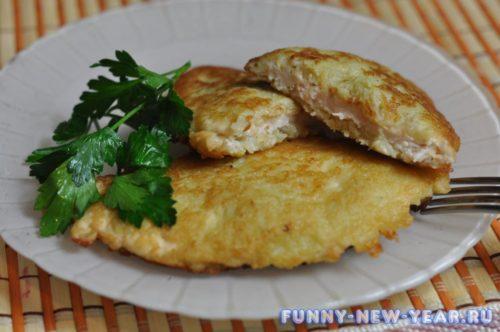 Отбивная из свинины в картофельном кляре