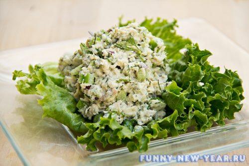Салат с тунцом и сельдереем