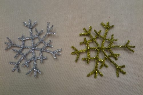 Как сделать новогодние снежинки своими руками