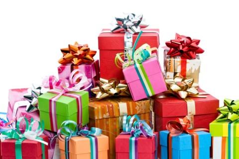 Christmas-Gifts-1024x682
